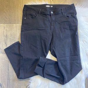 Old Navy Rockstar Super Skinny Low Rise Black Jean